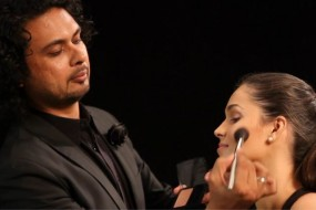 STRUT-120-Video-Beauty-How-to-get-structured-cheekbones-carousal